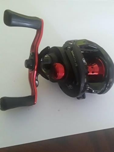Abu Black 3 Hand Baitcast Fishing -