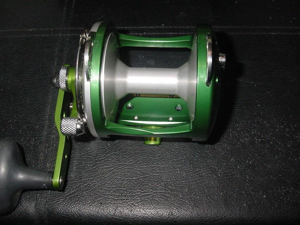 new in box blem fishing reel hxw4