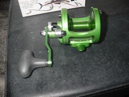 New in Box Avet Fishing Reel Factory Blemish  MXL5.8  Green/