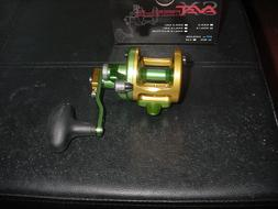 New in Box Avet Fishing Reel Factory Blemish  SX 6/4 Gold /